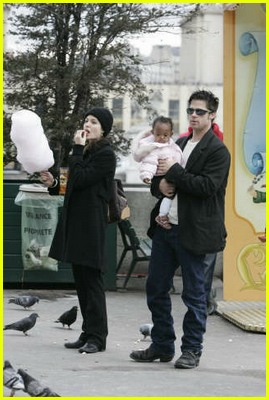 brad pitt angelina jolie maddox zahara carousel165