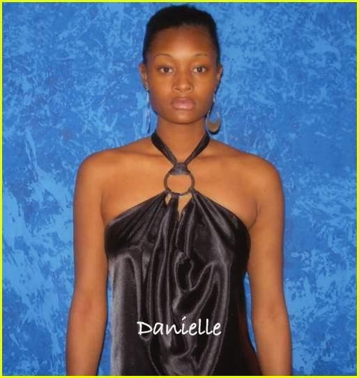 Tyra Banks Antm: America's Next Top Model Bald: Photo 351251
