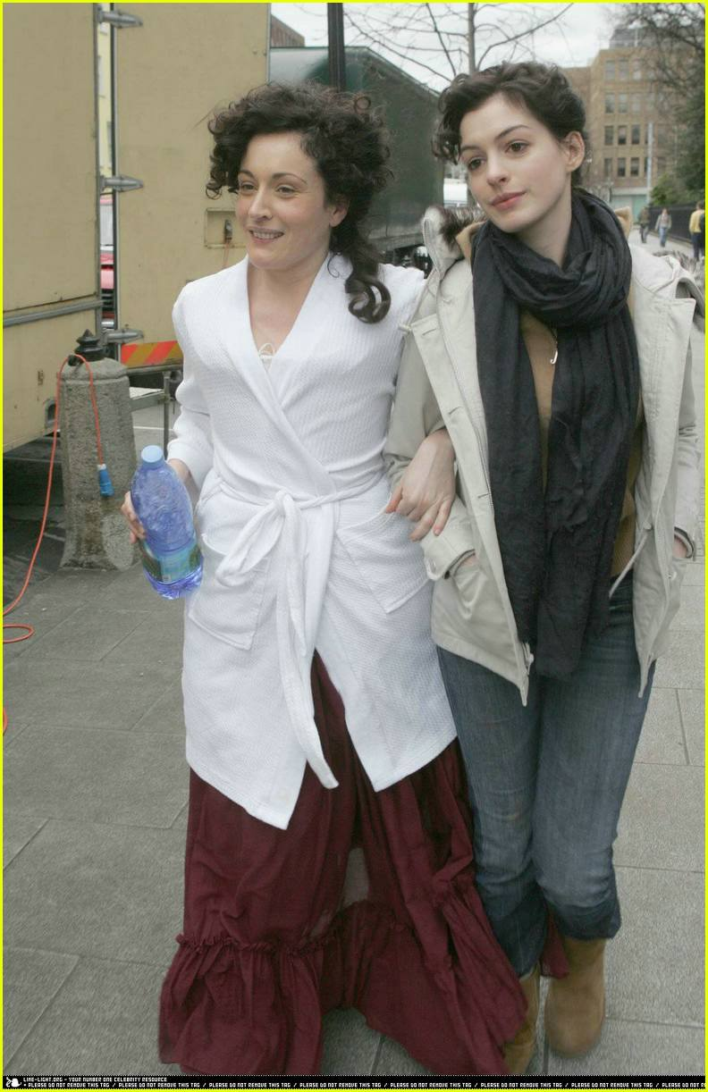 anne hathaway becoming jane08367231