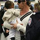 brad angelina airport03