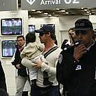 brad angelina airport14
