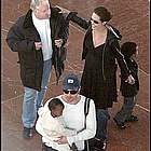 brad angelina airport35