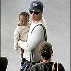 brad angelina airport46