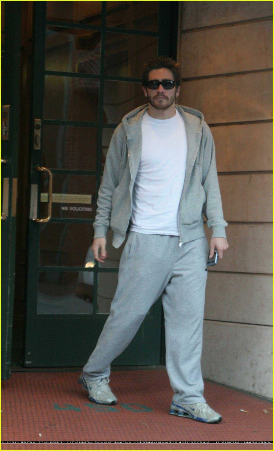 jake gyllenhaal hoodie13