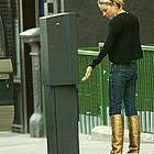 sienna miller gold boots07