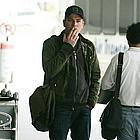 ewan mcgregor airport04