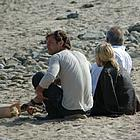 jude law sienna miller beach02