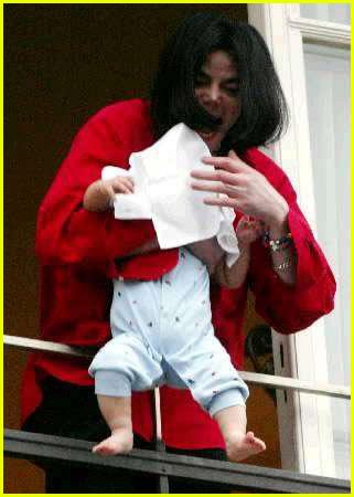 michael jackson baby dangle
