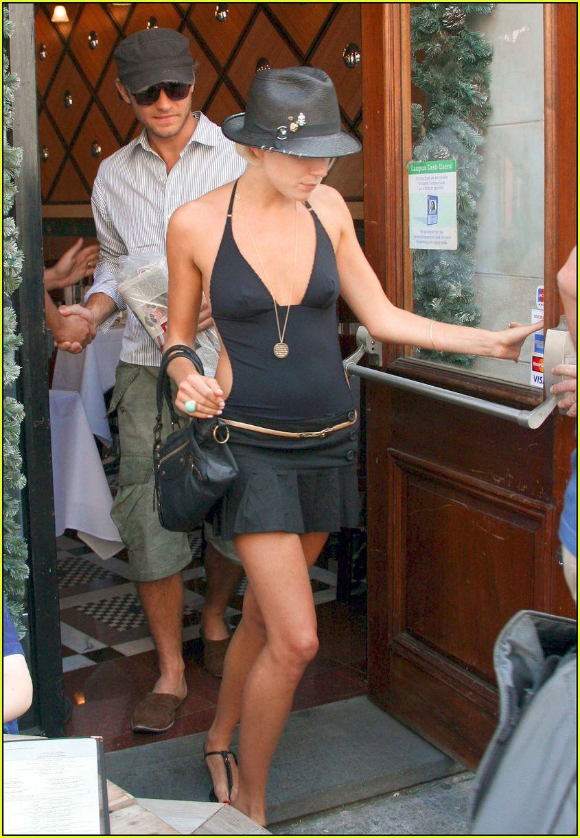 Jude Law & Sienna ...