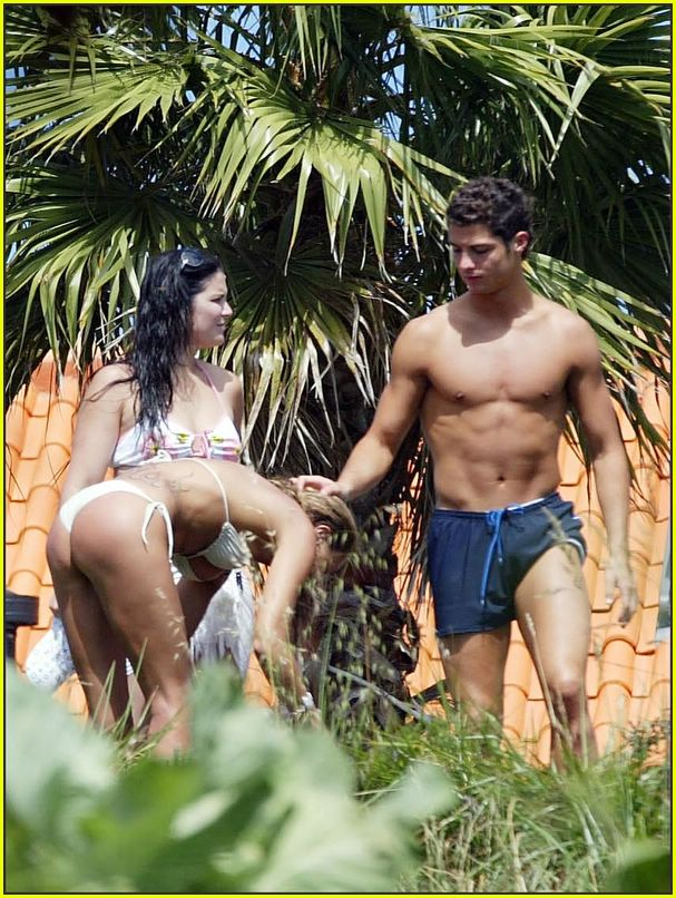 cristiano ronaldo shirtless04384811