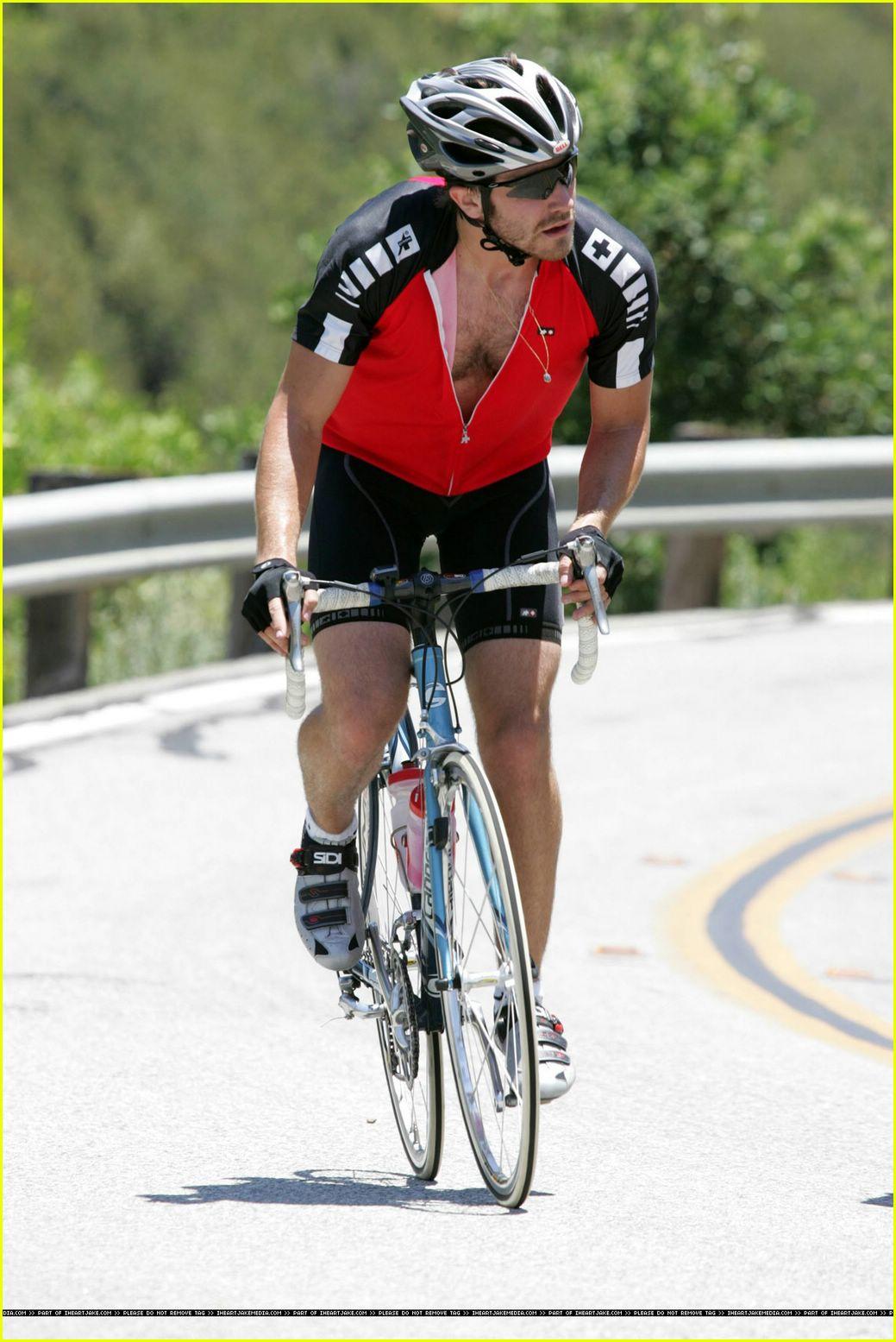 Full Sized Photo of jake gyllenhaal hairy chest27 | Photo ... Jake Gyllenhaal's