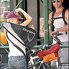 naomi watts liev schreiber bicycle13