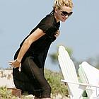 kate hudson beach 06