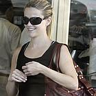 reese witherspoon shopping 01