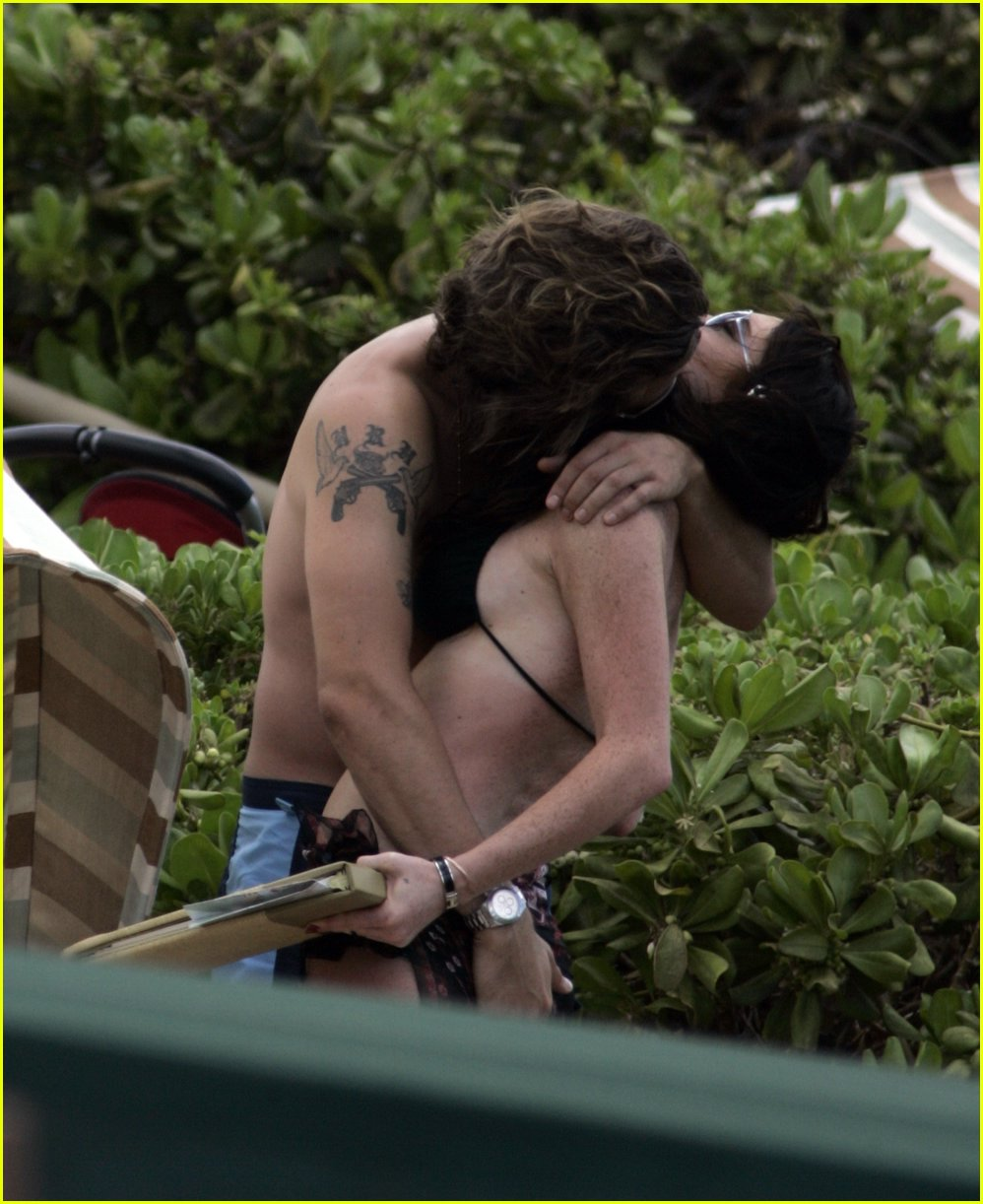 Lindsay Lohan Boob Grab 55