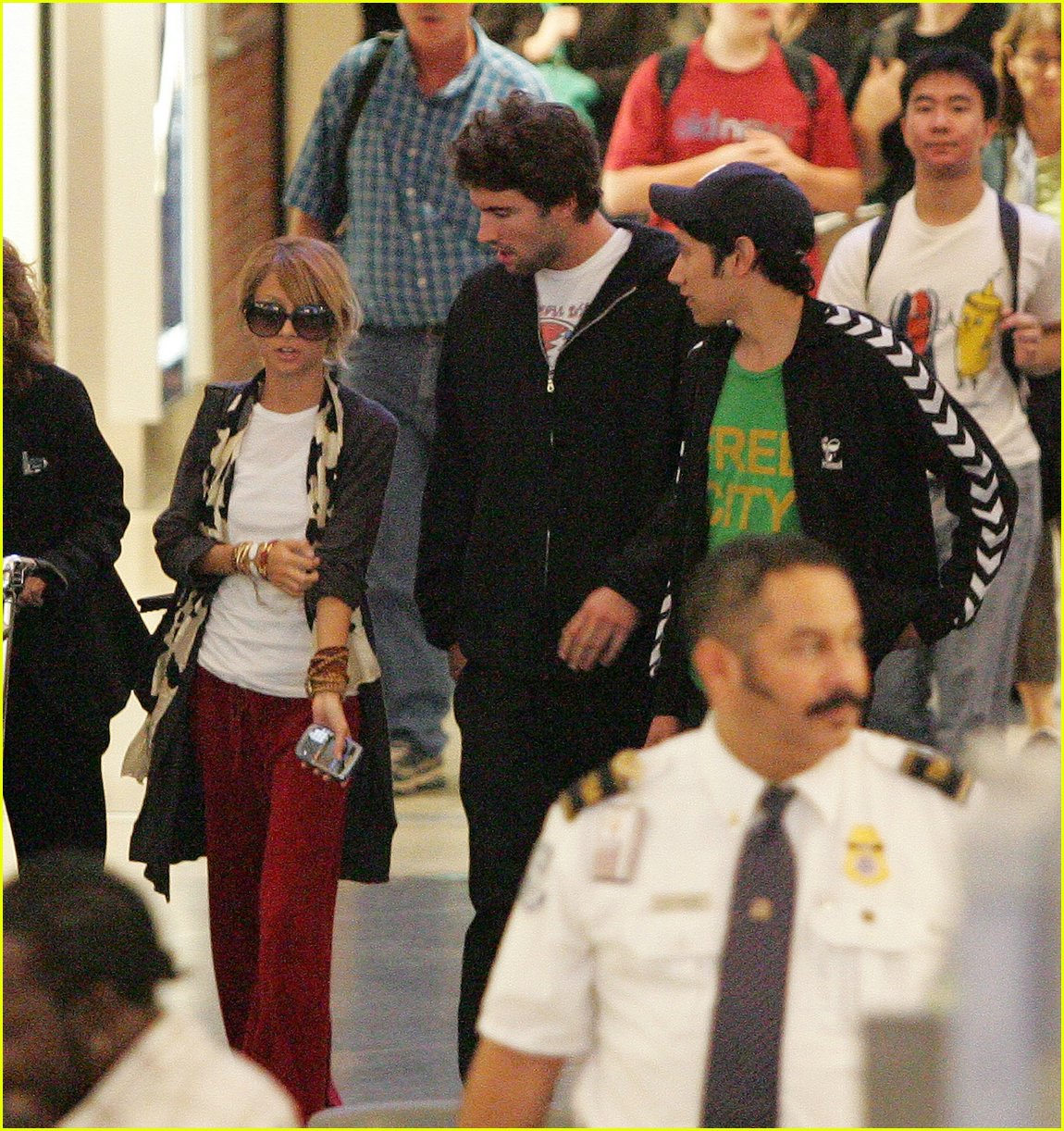 Nicole Richie & Brody Jenner Holding Hands: Photo 311821