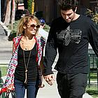 nicole richie brody jenner snuggling 01