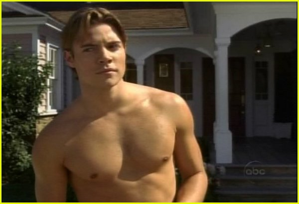josh henderson shirtless 05
