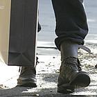 sienna miller sneakers 01