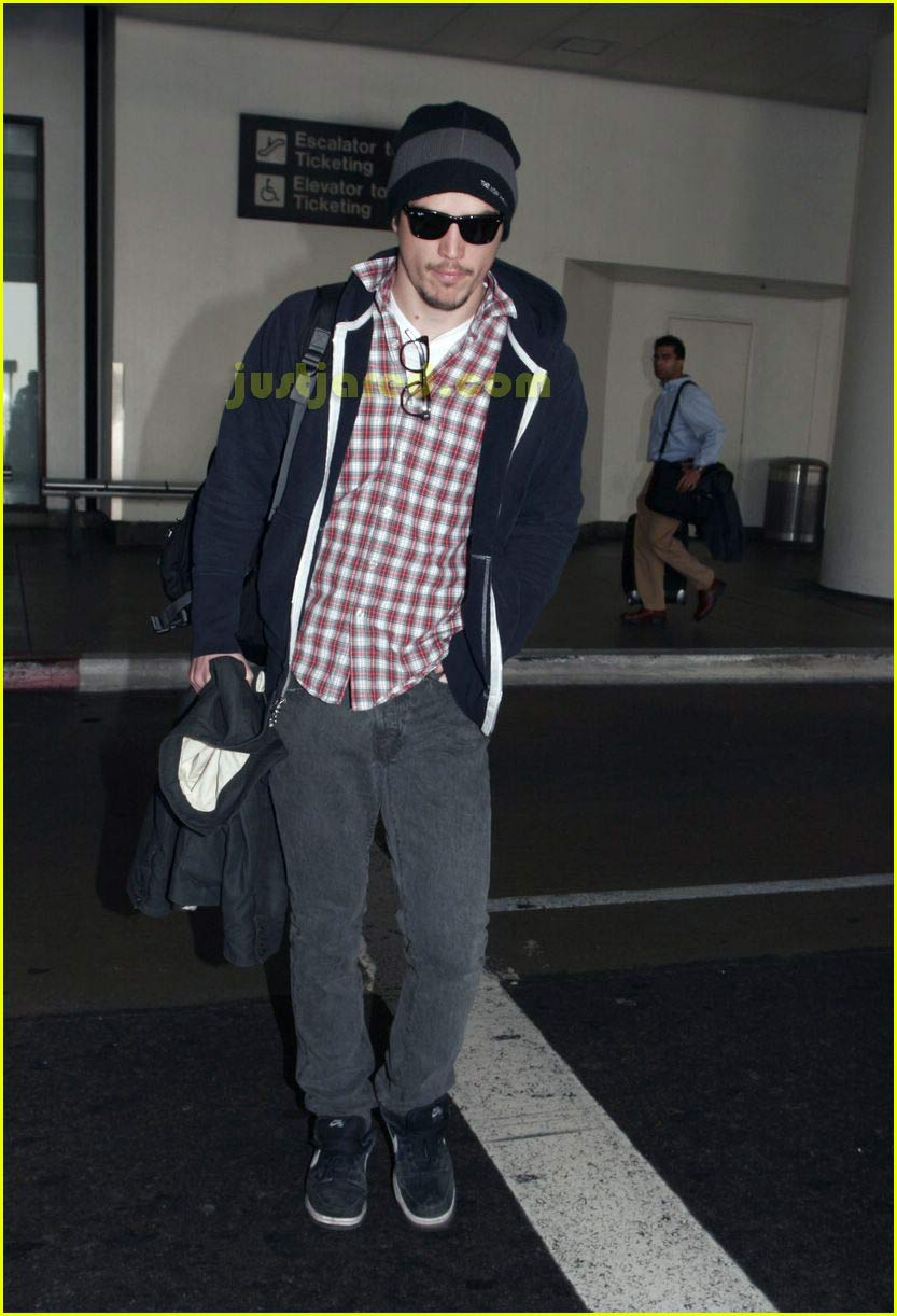 josh hartnett airport 02