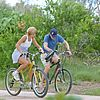 kate-hudson-owen-wilson-bike-riding-03.jpg