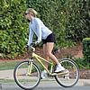 kate-hudson-owen-wilson-bike-riding-07.jpg