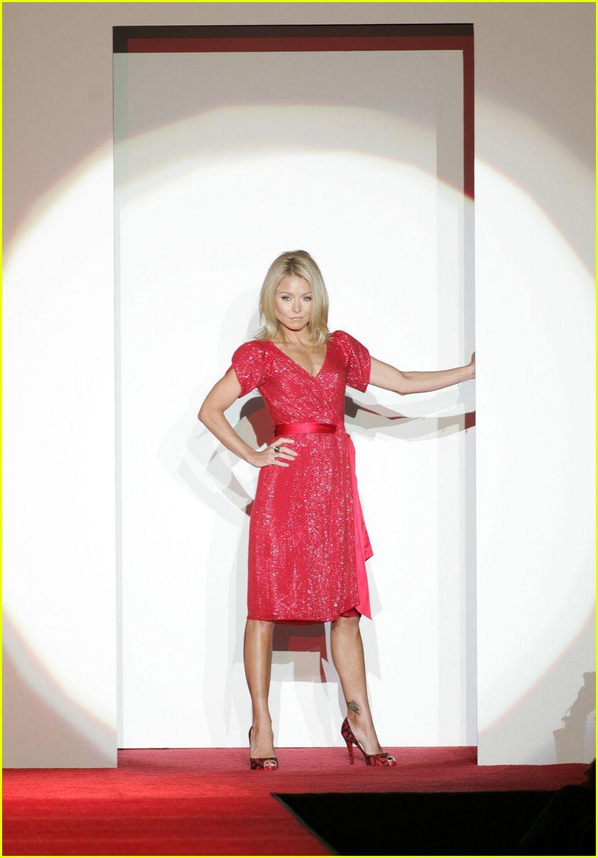 red dress 2007 092419605