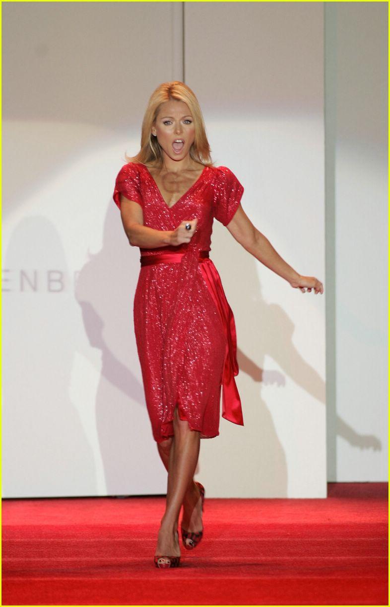 red dress 2007 102419606