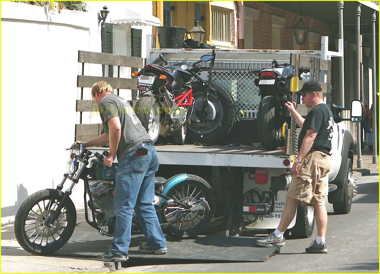 brad pitt motorcycles 022415983