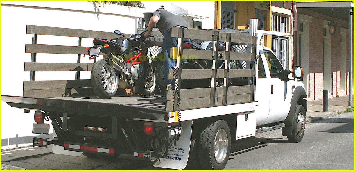 brad pitt motorcycles 042415985