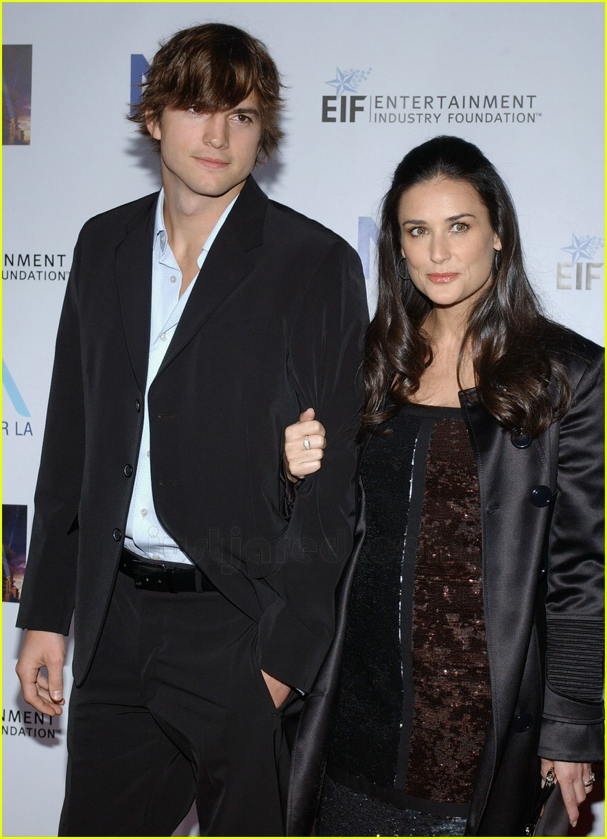 demi moore ashton kutcher honor tom cruise 032414554