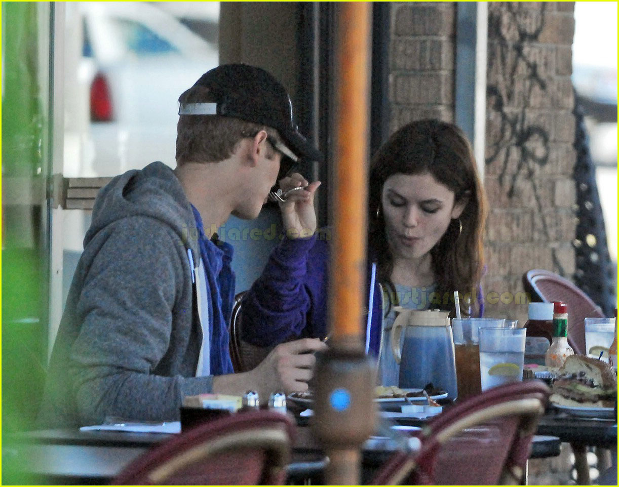 hayden christensen rachel bilson feeding each other 112415314