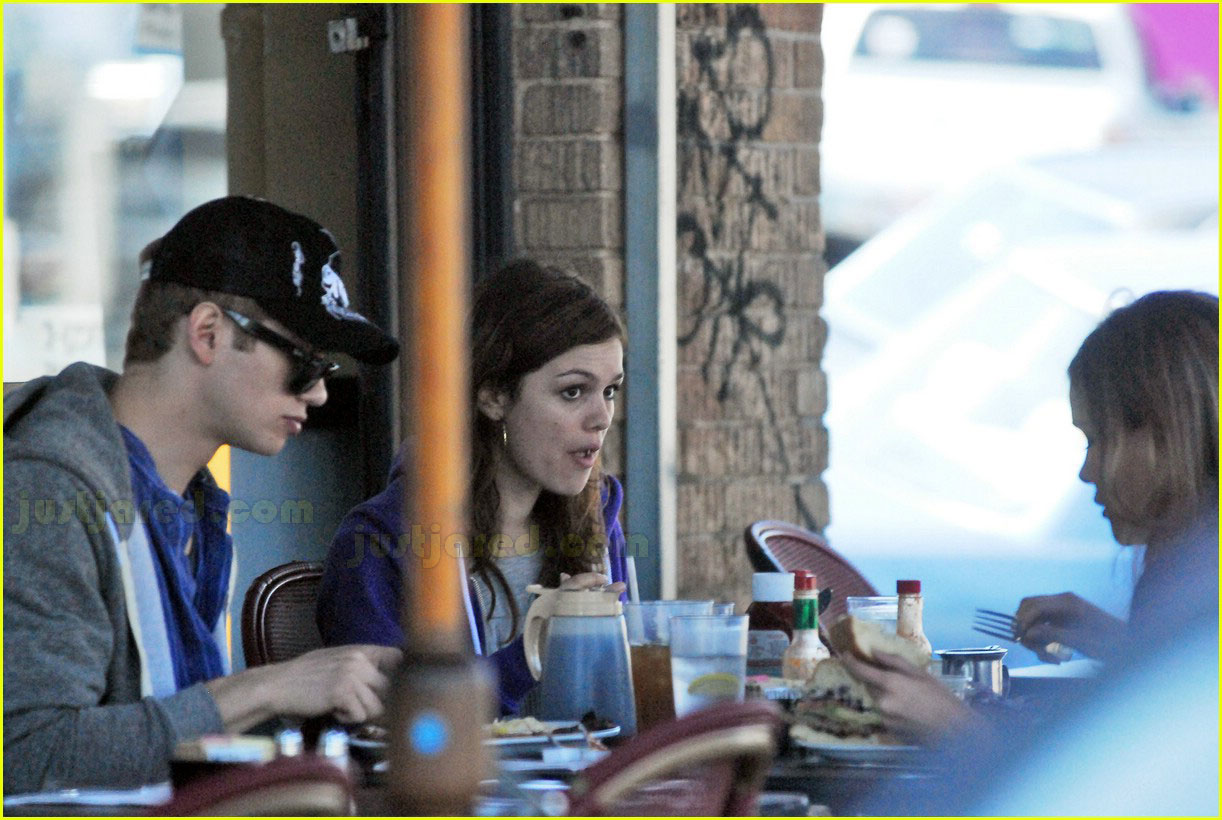 hayden christensen rachel bilson feeding each other 152415318