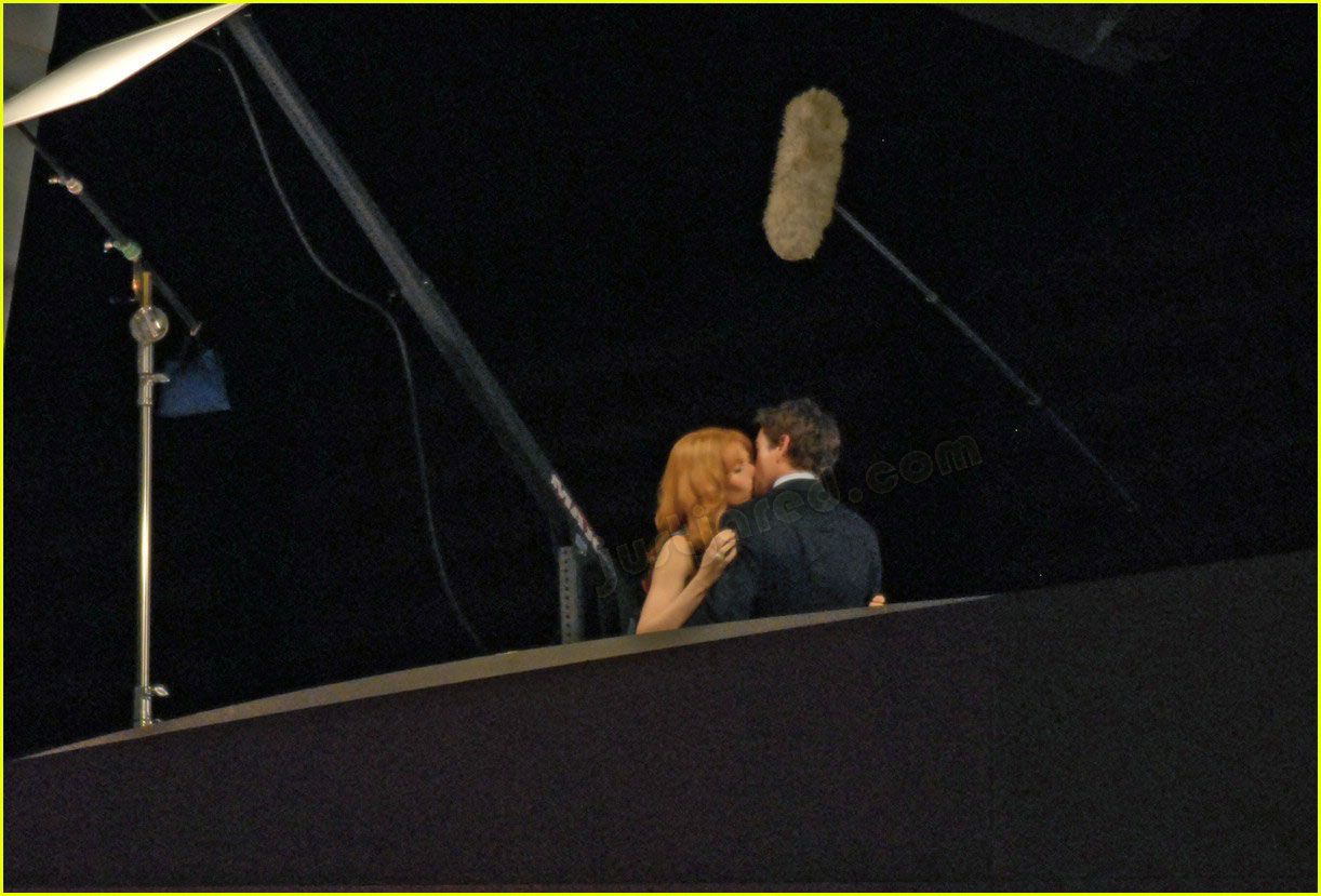 gwyneth paltrow kissing robert downey jr 06