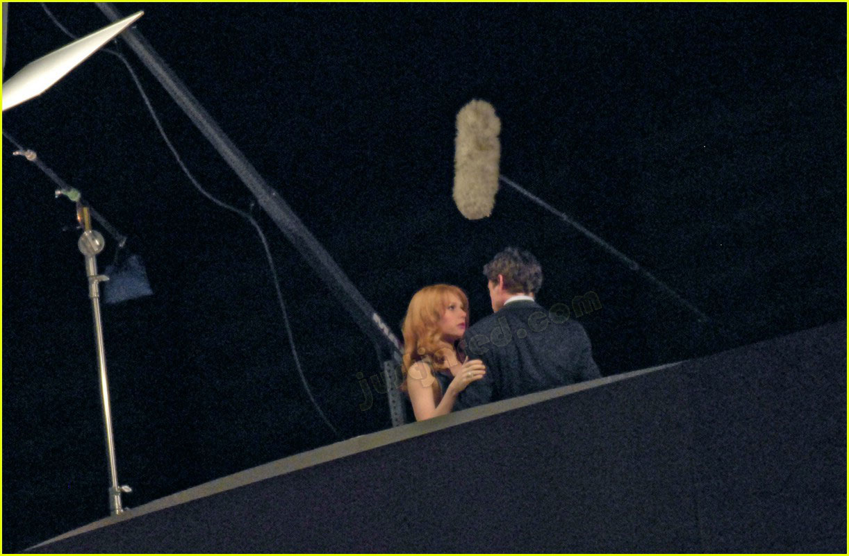 gwyneth paltrow kissing robert downey jr 07