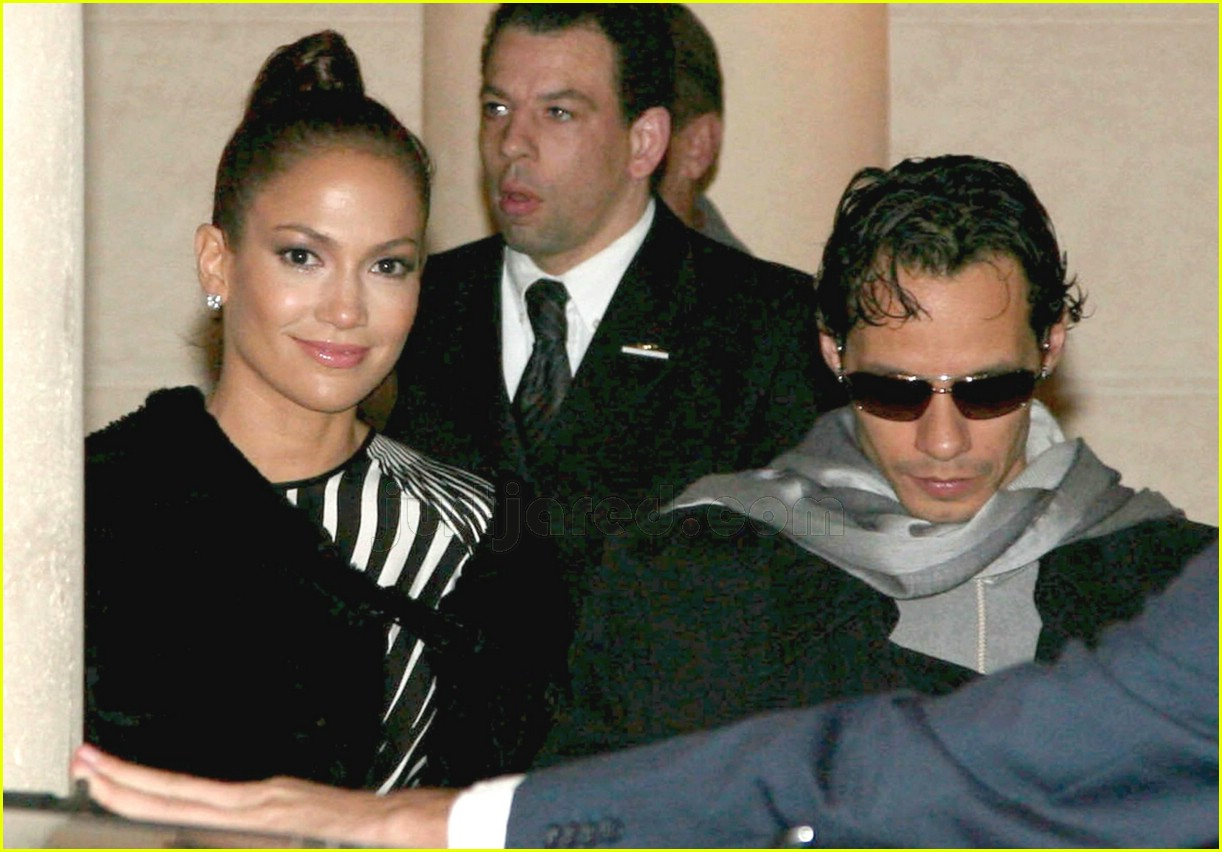 jennifer lopez paris fashion 02
