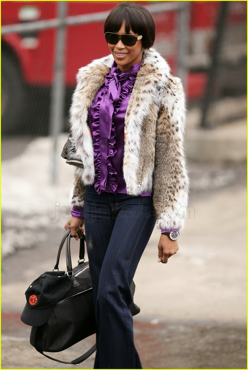 naomi campbell fur coat 062414605