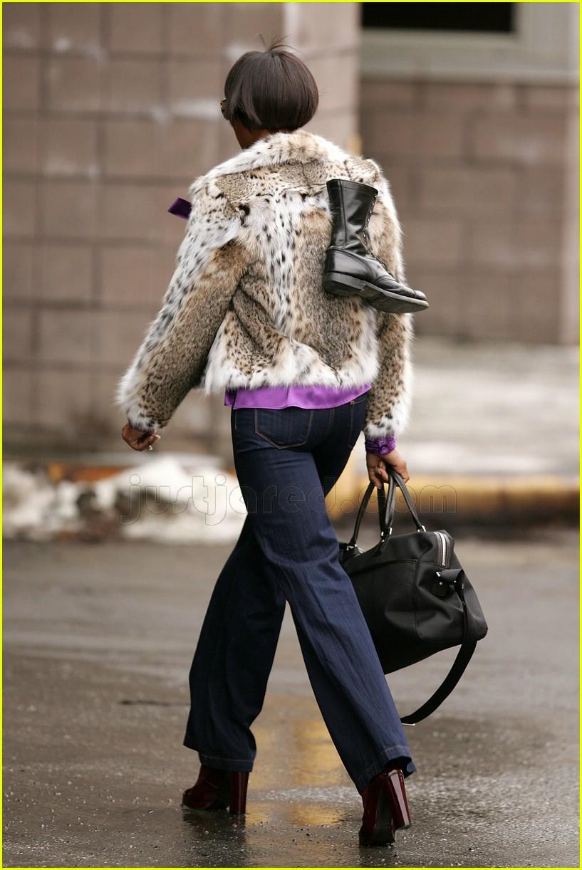 naomi campbell fur coat 082414607