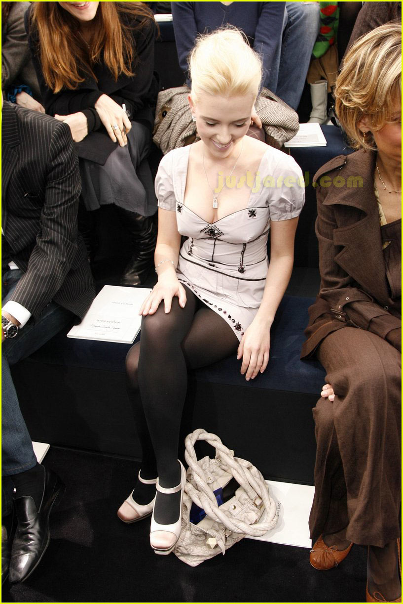 scarlett johansson paris fashion week 04