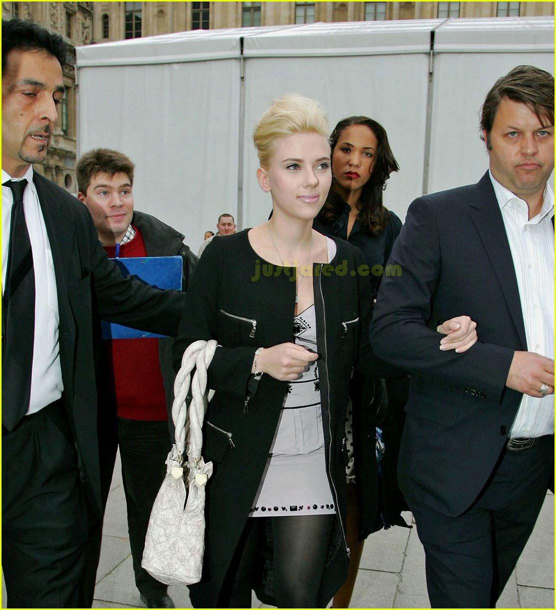 scarlett johansson paris fashion week 142416430