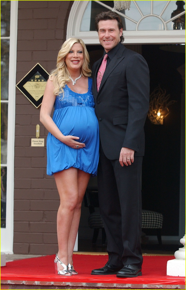 tori spelling bed and breakfast 032416465
