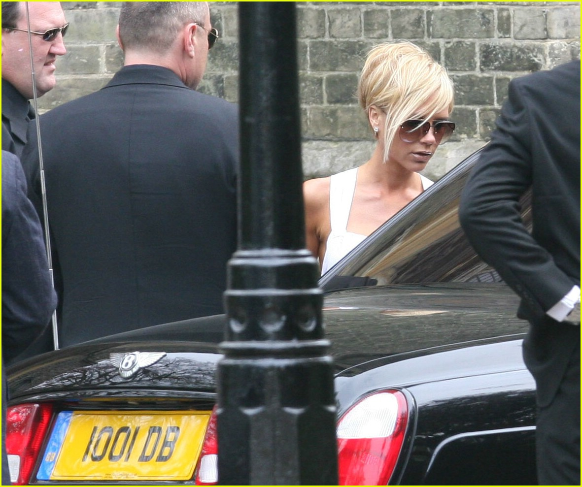 victoria beckham geri halliwell bluebell christening 14