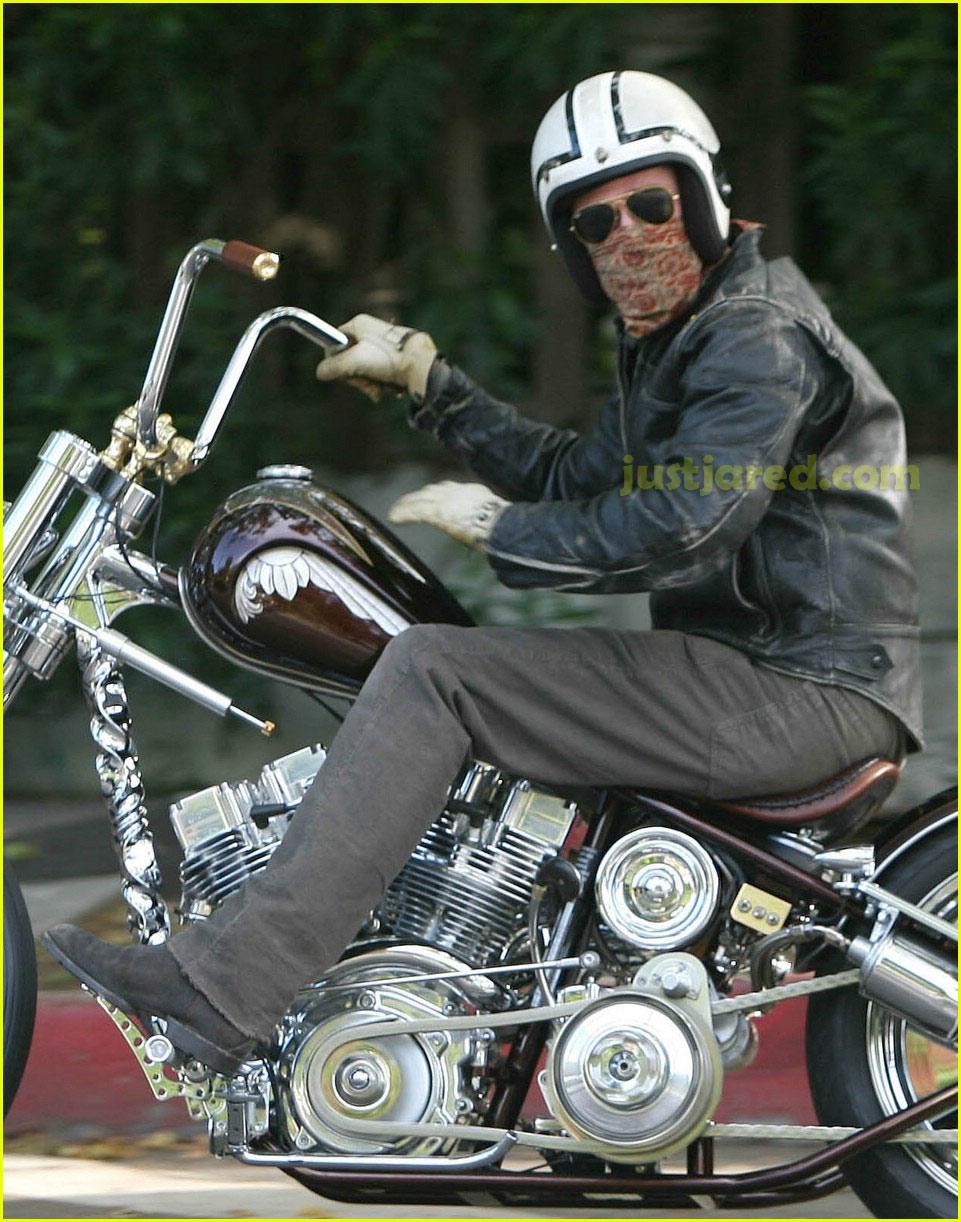 brad pitt motorcycle 02122111