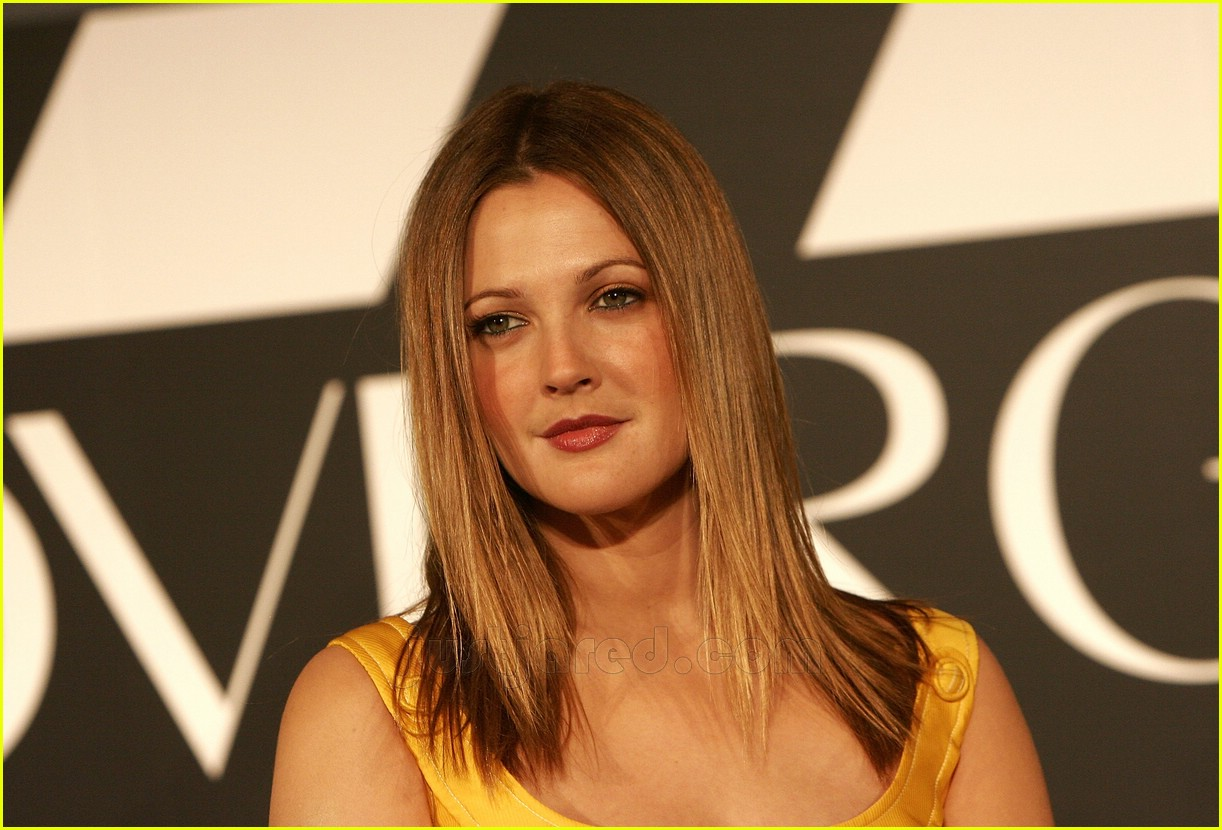drew barrymore covergirl 16100631