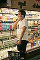 jake gyllenhaal grocery shopping 02