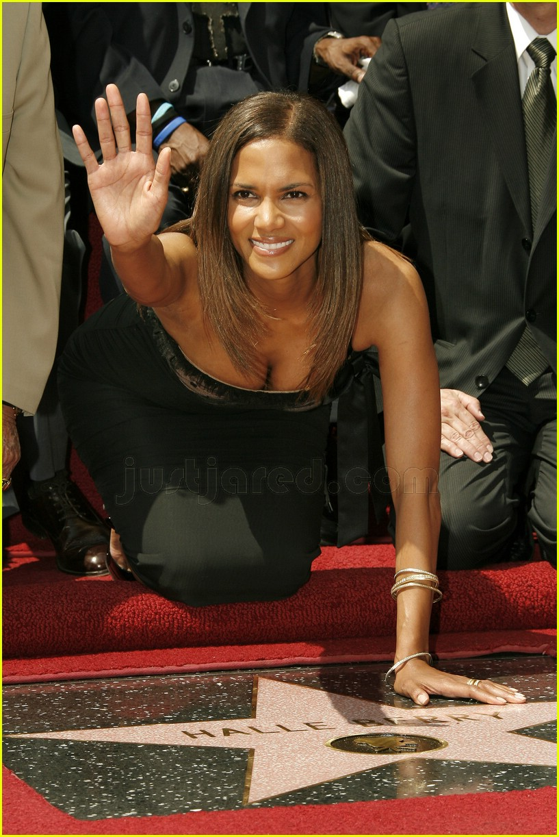 halle berry mom hollywood walk of fame star 1488041