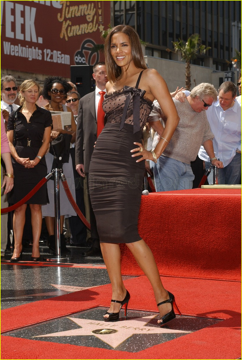 halle berry mom hollywood walk of fame star 2188111