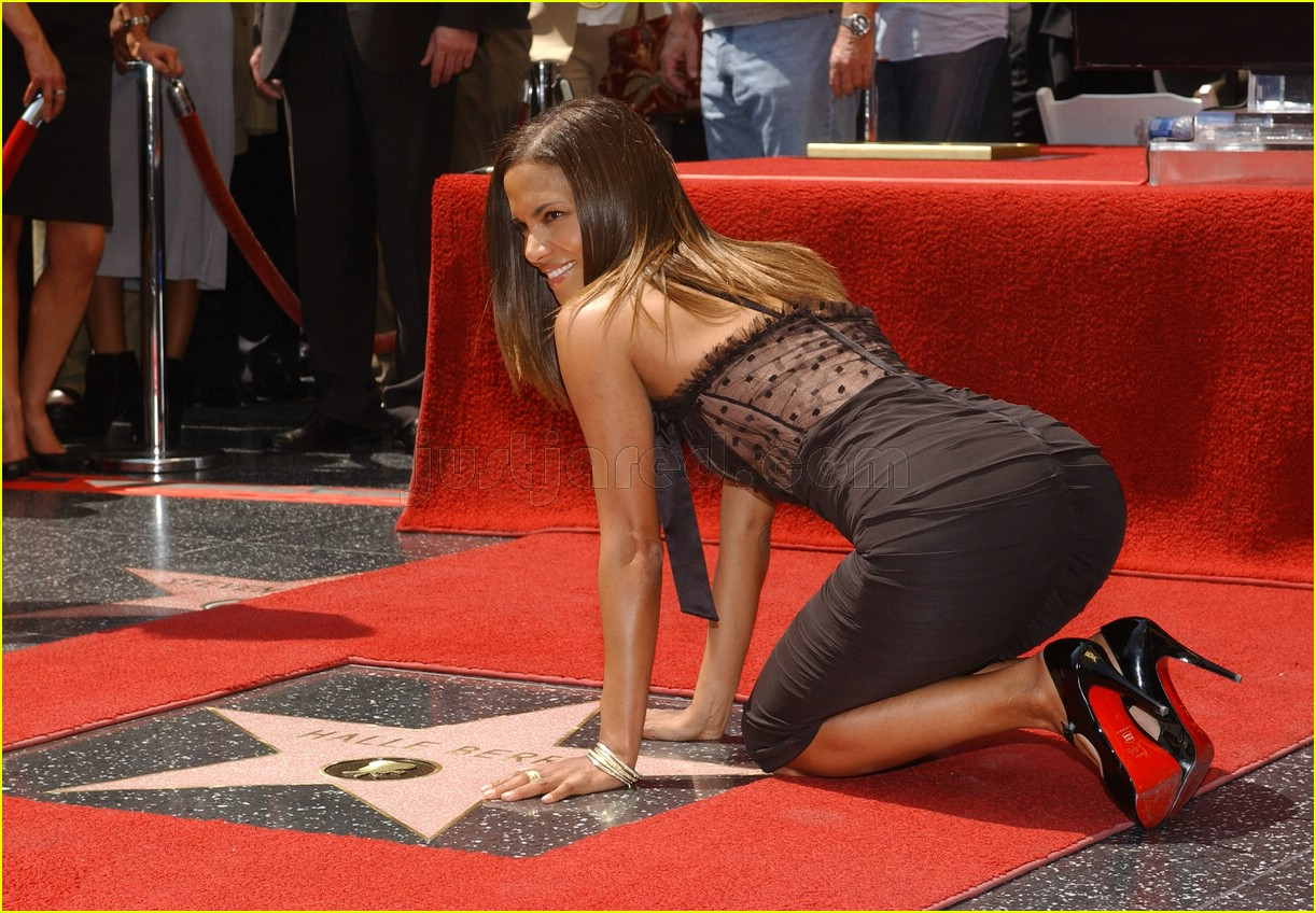 halle berry mom hollywood walk of fame star 2488141