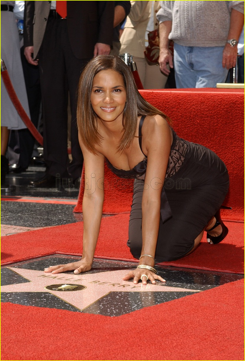 halle berry mom hollywood walk of fame star 2688161