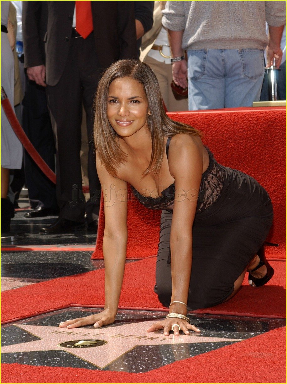 halle berry mom hollywood walk of fame star 2788171
